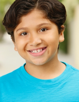 Anthony Gonzalez as Miguel (voice)