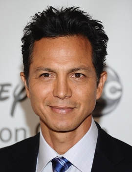 Benjamin Bratt as 	 Ernesto de la Cruz (voice)
