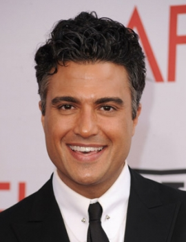 Jaime Camil as Papá (voice)
